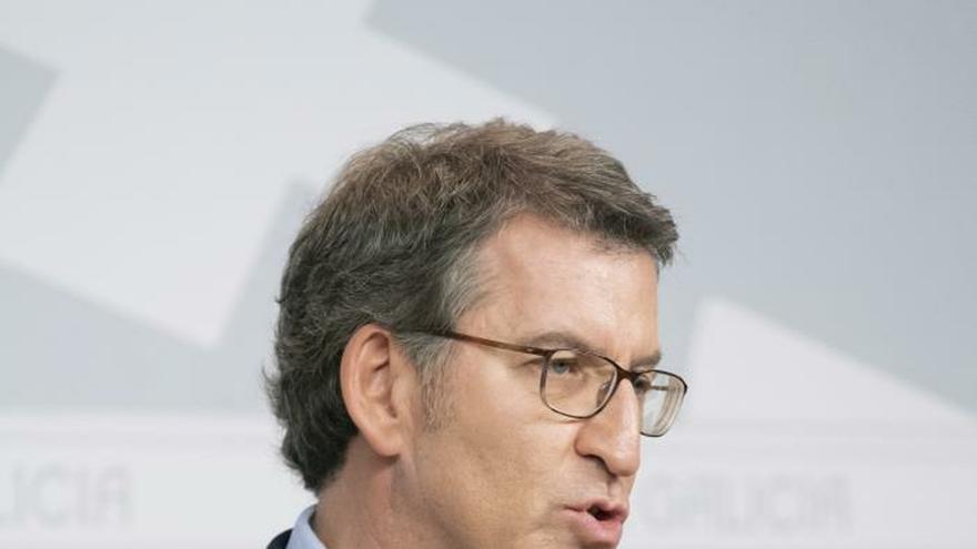 El presidente de la Xunta, Alberto Núñez Feijóo, durante la rueda de prensa tras la reunión del consello, esta mañana en Santiago de Compostela.