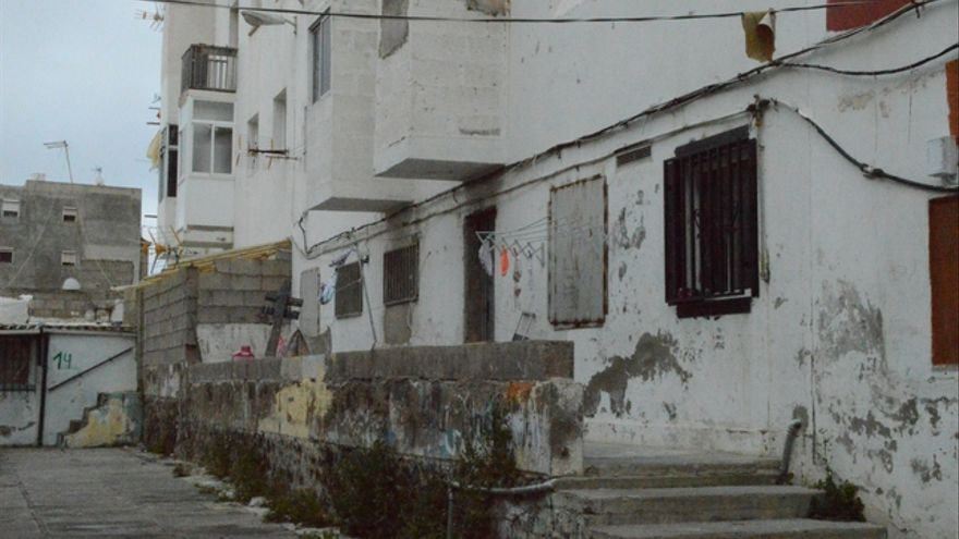 Callejón donde se sitúan las chabolas en Tamaraceite (Iago Otero Paz)