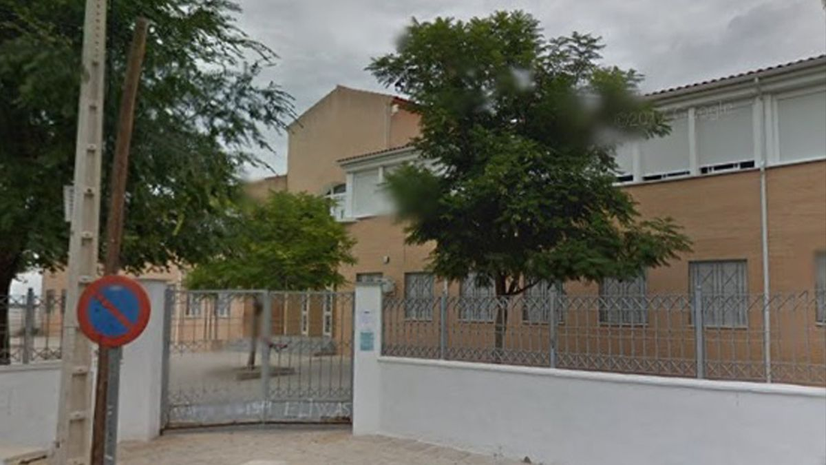 colegiopeman - Colegio José María Pemán, en Puente Genil.