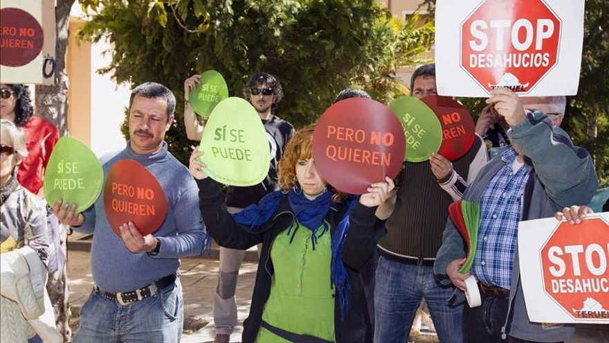 Denunciados dos miembros de la PAH y su abogada por la ocupación de un bloque de pisos en Sabadell