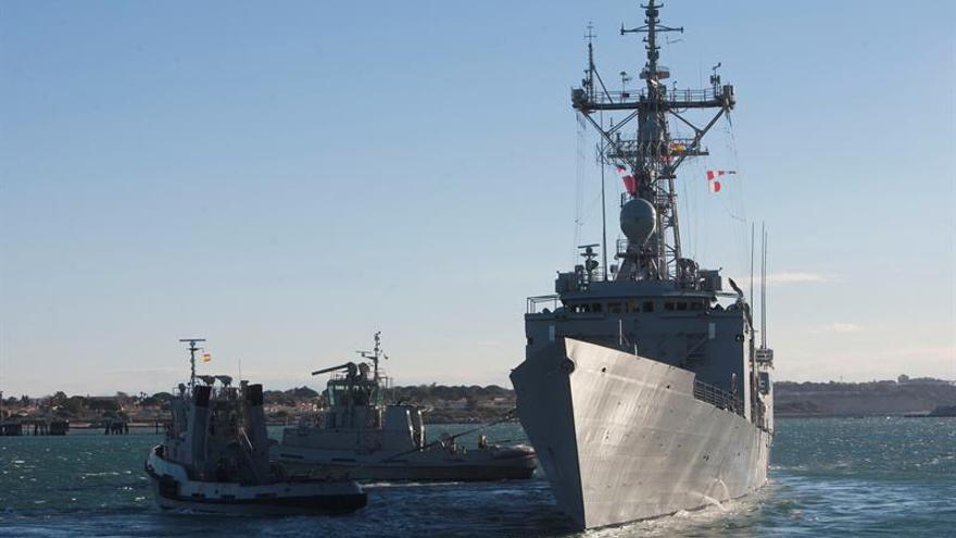La fragata española Canarias ayuda en los rescates de unos 1.500 inmigrantes