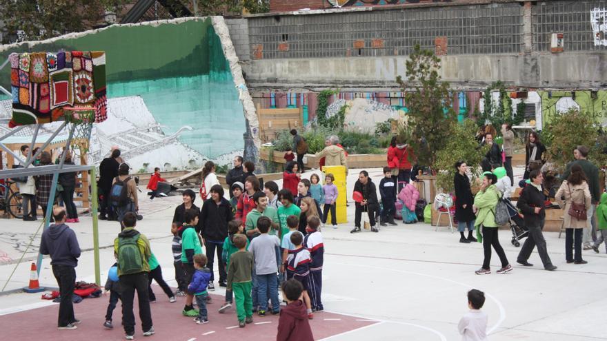 Protesta y juegos en La Cebada durante la jornada de huelga (Olga Rodríguez)