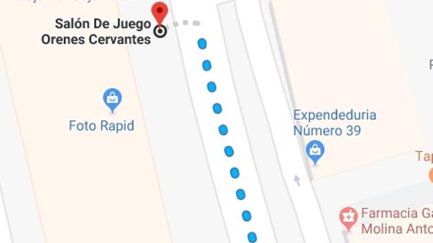 El IES Miguel de Cervantes de la ciudad de Murcia se encuentra a 98 metros de un salón de juego. La modificación de la norma aprobada en la Asamblea Regional el pasado septiembre de 2018 prohíbe que un local de apuestas se sitúe a menos de 500 metros de un centro educativo.