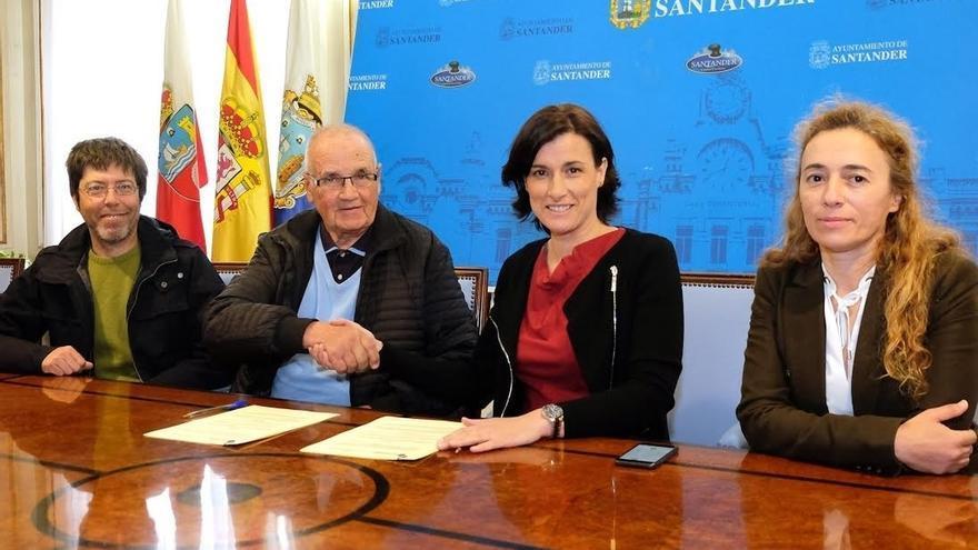 Santander y Costa Quebrada renuevan su colaboración para mejorar la muestra sobre este espacio en el Centro del Litoral