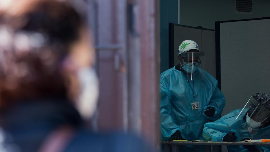 EE.UU. sobrepasa ya los 7,7 millones de casos de COVID-19