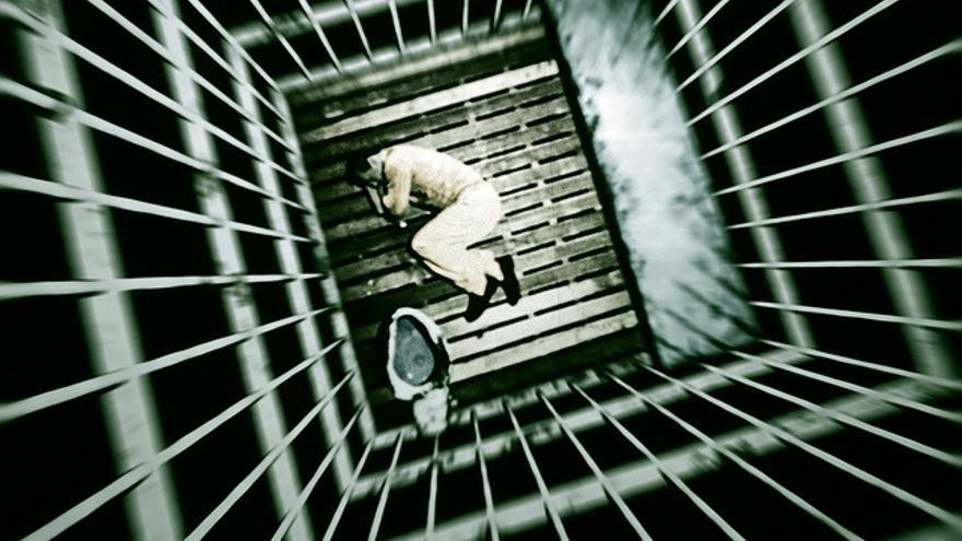 Imagen de un preso en una celda de aislamiento (Foto: i am real estate photographer | Flickr)