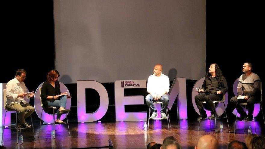 Debate a tres de Podemos