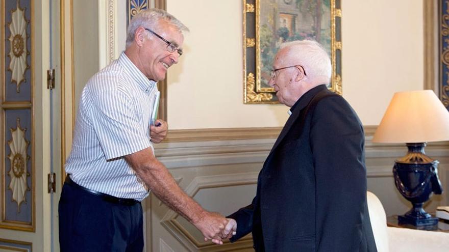 Joan Ribó ha recibido al cardenal arzobispo de Valencia, Antonio Cañizares, en el ayuntamiento