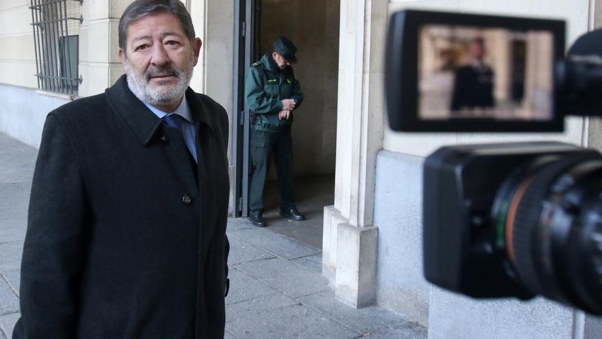 "Exadministrativa de Vitalia declara que hicieron transferencias de ""2.999 euros"" a Guerrero"