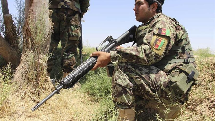 El Gobierno afgano ordena intensificar las acciones contra los talibanes
