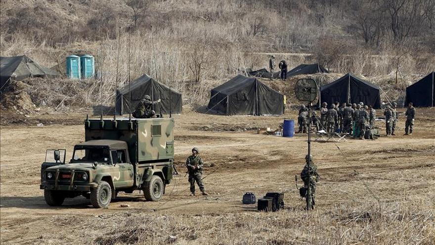 Corea del Norte ejecuta maniobras fronterizas bajo la atenta mirada del Sur