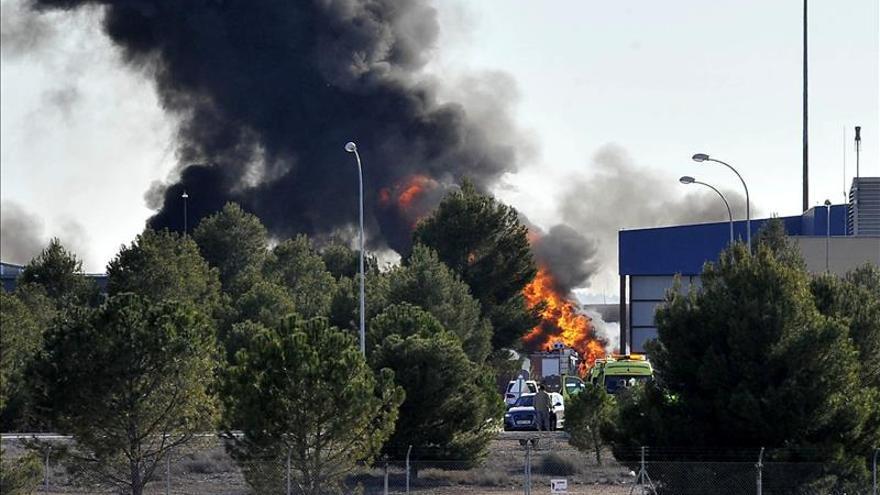 Dos pilotos muertos y 6 heridos graves al estrellarse un F-16 griego en la base de Albacete