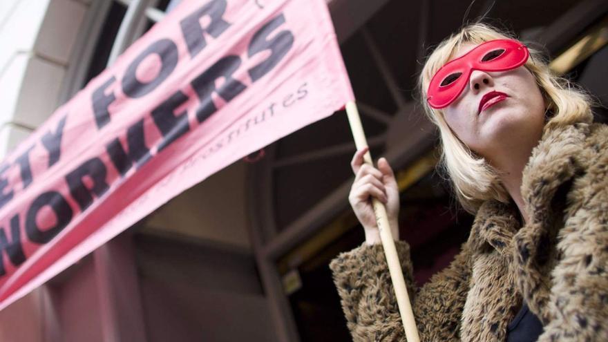 Una protesta de Amnistía Internacional que pide por el trabajo sexual seguro.