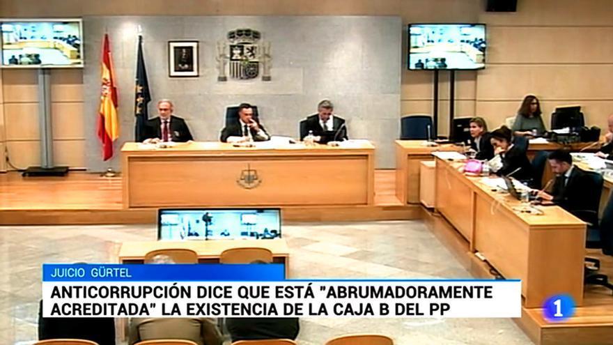 """El telediario de TVE esconde la noticia de las pruebas """"abrumadoras"""" de la caja B del PP"""