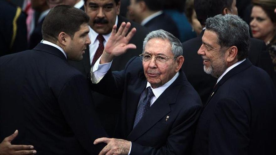 Medvédev y Raúl Castro se reunirán mañana en Moscú