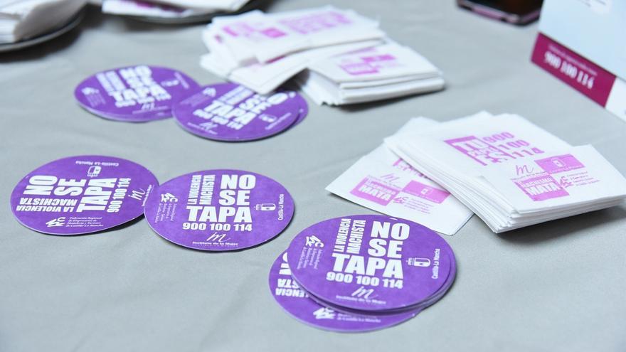 La campaña 'Tu papel es clave contra el machismo' llegará a más de 700 establecimientos hosteleros de Castilla-La Mancha