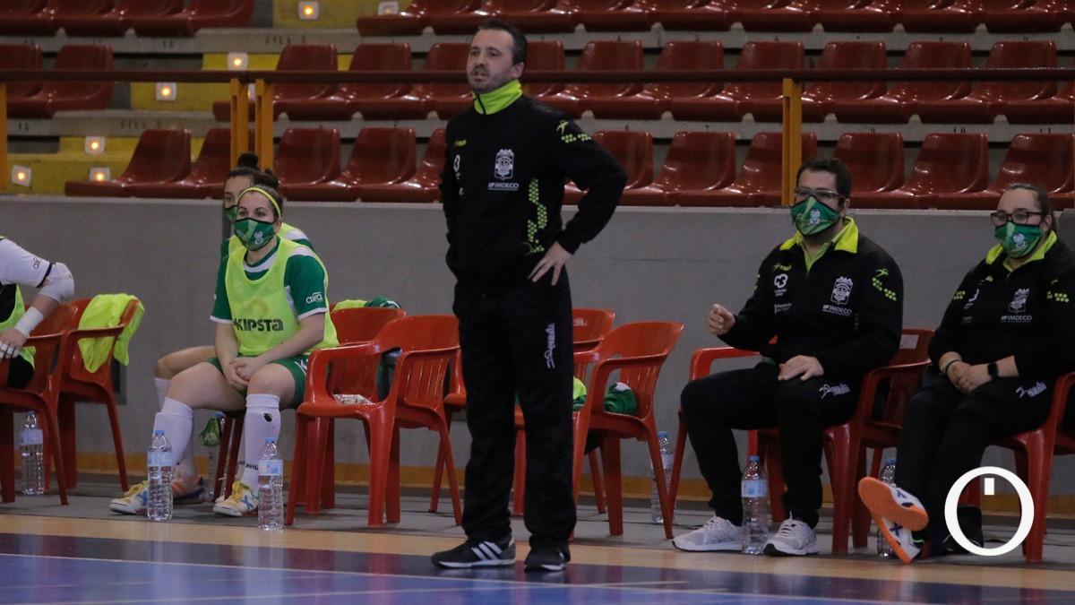 Juanma Cubero durante un encuentro con el Deportivo Córdoba