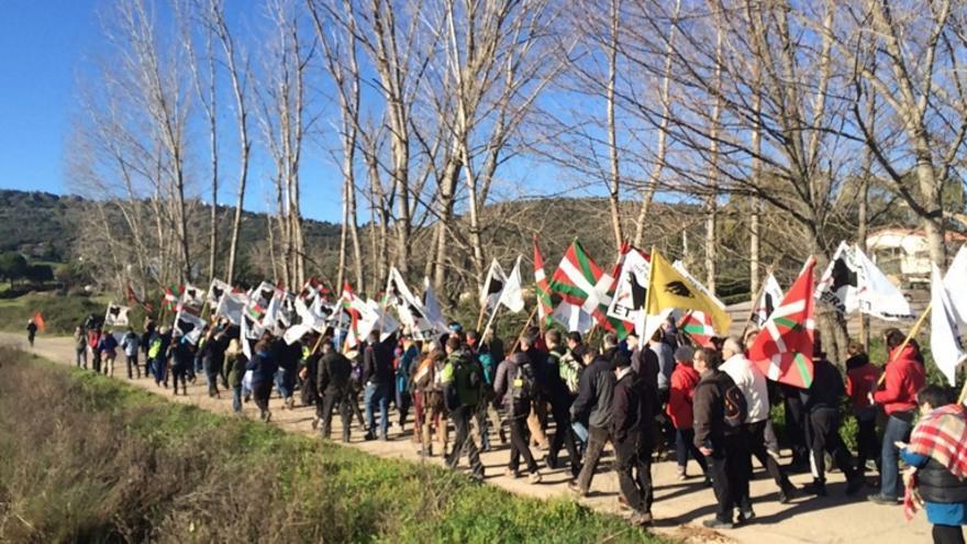 Marcha alrededor de la cárcel de Cáceres