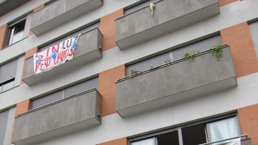 La Corrala Utopía y la Junta estudian la posible aplicación del decreto de vivienda en el bloque de San Lázaro