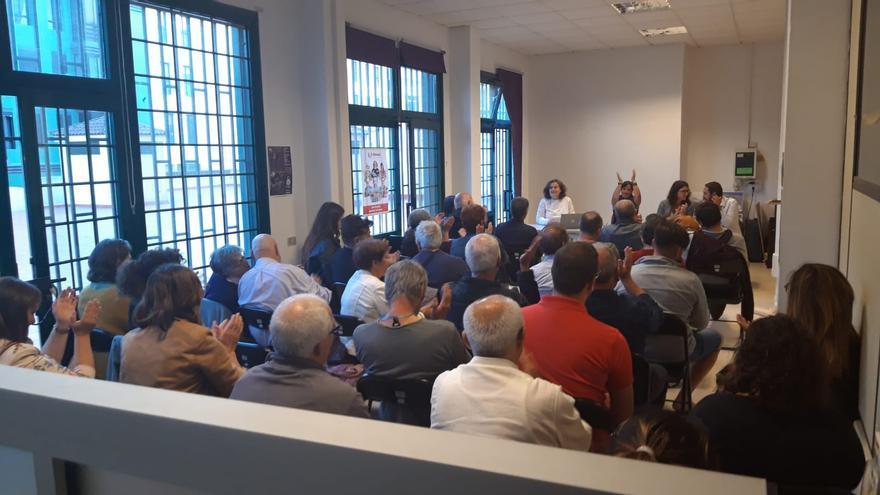 Momento de la asamblea ciudadana de este jueves de la confluencia Unidas Se Puede en La Laguna