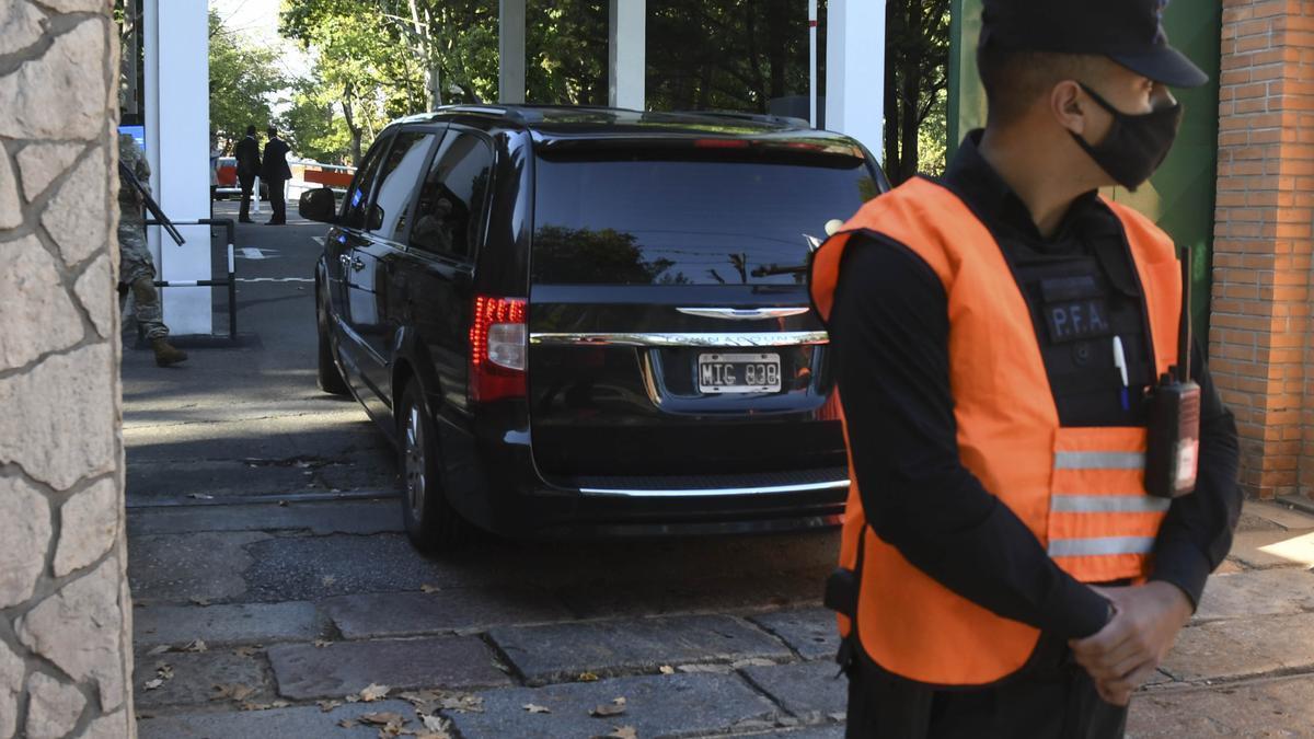 Un fiscal ya investiga los ingresos a Olivos en el comienzo de la cuarentena