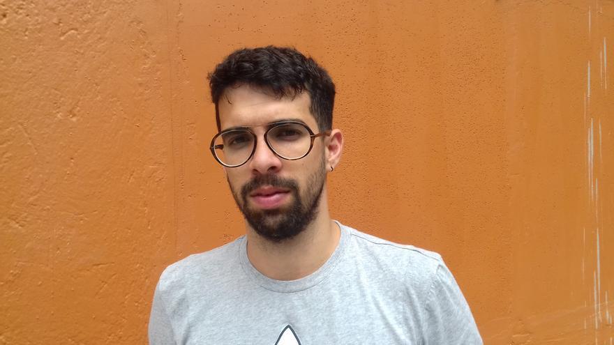 Foto de archivo del escritor cubano Carlos Manuel Álvarez.