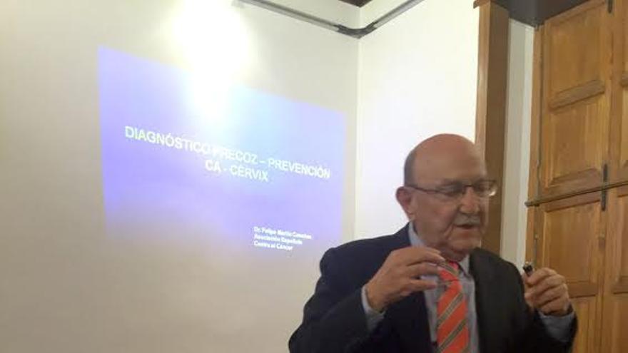 Doctor Felipe Martín Casañas, presidente del comité técnico de la Junta Provincial de Santa Cruz de Tenerife de la Asociación Española Contra el Cáncer.