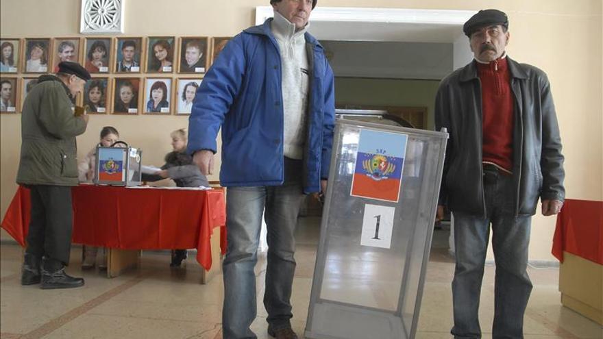 EE.UU. denuncia las elecciones separatistas en Ucrania y urge a Rusia a condenarlas