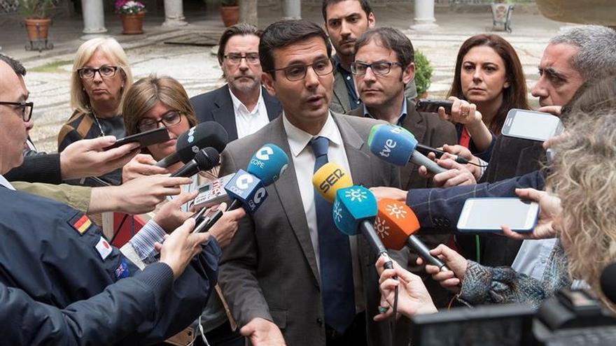 Alcalde Granada defiende inocencia tras ser citado por usurpación funciones
