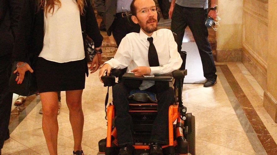"""Echenique asegura que Pablo Iglesias """"no miente"""" y ha hablado con Pedro Sánchez """"de lo que pasaría"""" si fracasa Rajoy"""