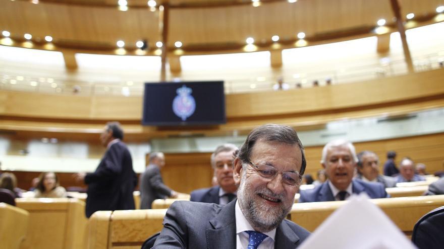 CC acusa al Gobierno de tener dinero para el AVE y no para Canarias y Rajoy defiende que se ha ocupado de las islas