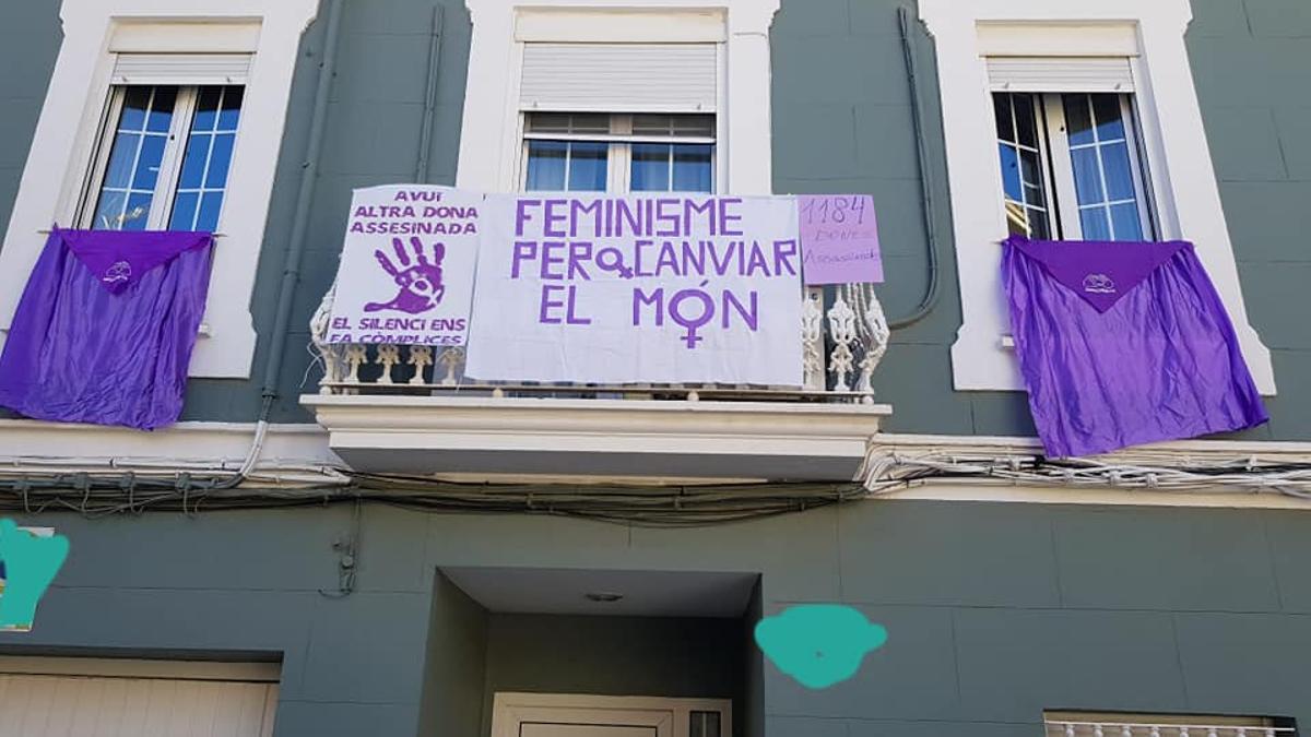 Protesta en los balcones contra la violencia machista el pasado 1 de abril.