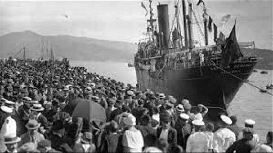 Un barco de inmigrantes de los tantos que llegaron a América