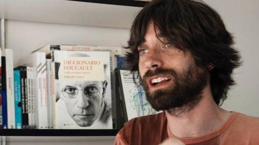Juan Gómez Bárcena presenta su última novela en la Biblioteca Central de Cantabria