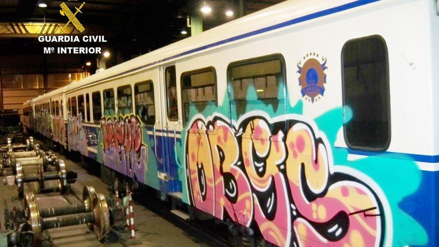 Detenidos seis jóvenes por hacer 56 grafitis en trenes