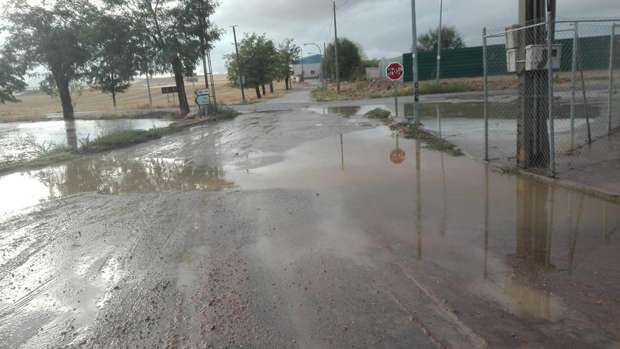 VÍDEOS | Dos hospitales afectados, inundaciones y cortes de vías por las tormentas caídas en la región