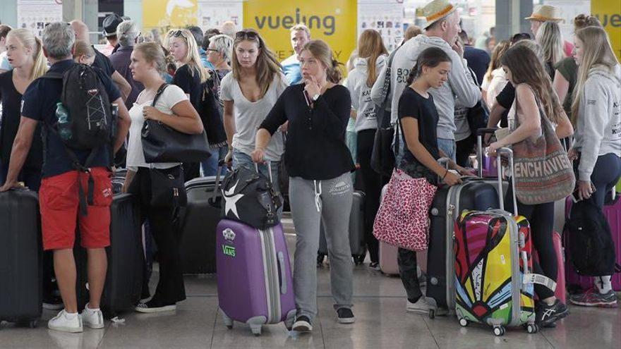 Vueling no cancelará más rutas y asegura que está operando con normalidad