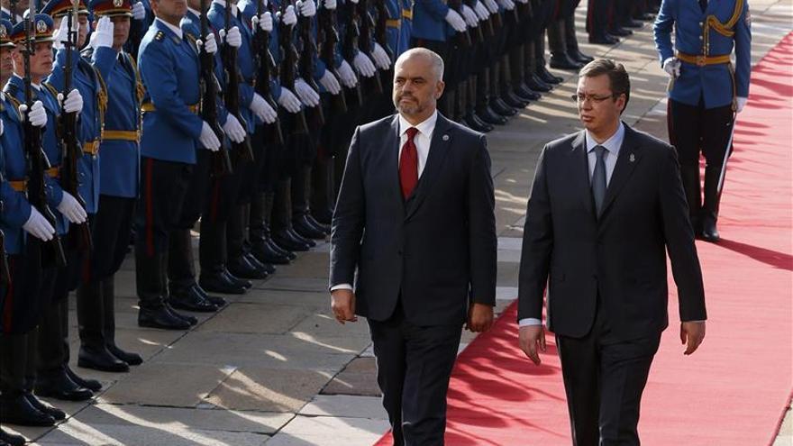 El primer ministro de Albania visita Serbia en plena tensión bilateral