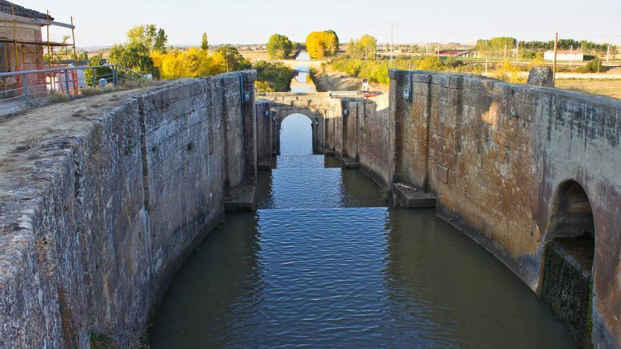 Exclusas del Canal de Castilla a las afueras de Frómista, Palencia. VIAJAR AHORA