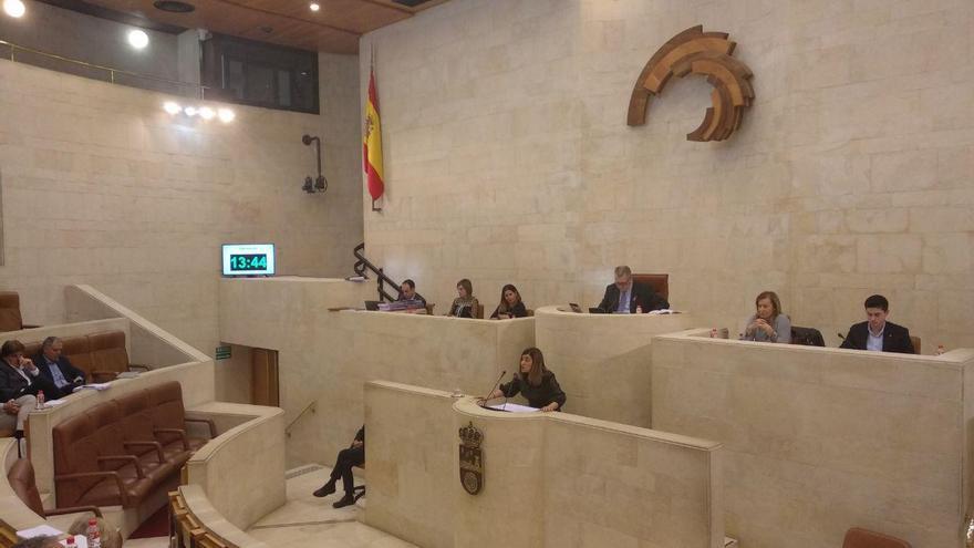 María José Sáenz de Buruaga (PP), defendiendo su enmienda a la totalidad el Presupuesto. | R.A.