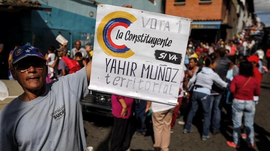 """Rectora venezolana resalta la """"gran afluencia"""" en el simulacro de la Constituyente"""
