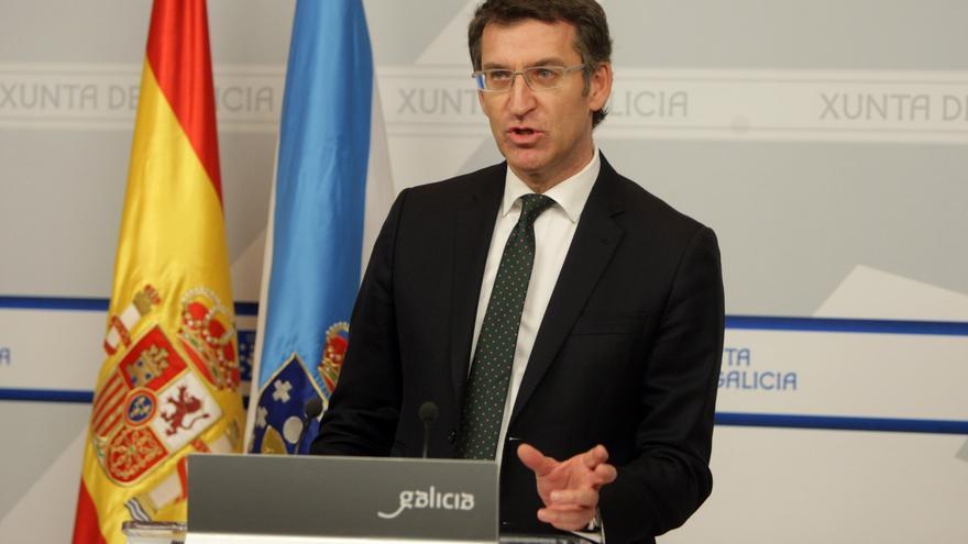 Feijóo apela a la presunción de inocencia del alcalde de Santiago, pero advierte que quien divida no tendrá su apoyo