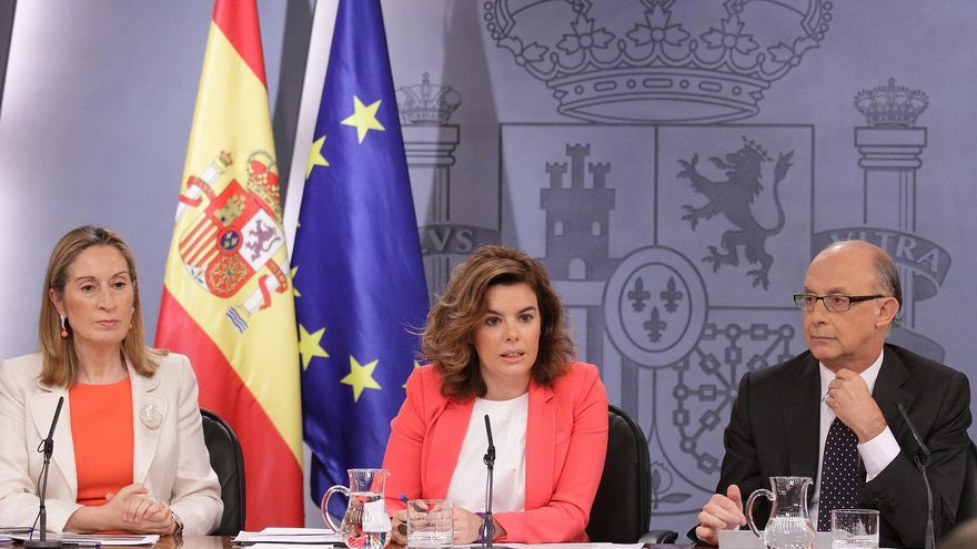 Ana Pastor, Soraya Sáenz de Santamaría y Cristóbal Montoro. Foto: La Moncloa
