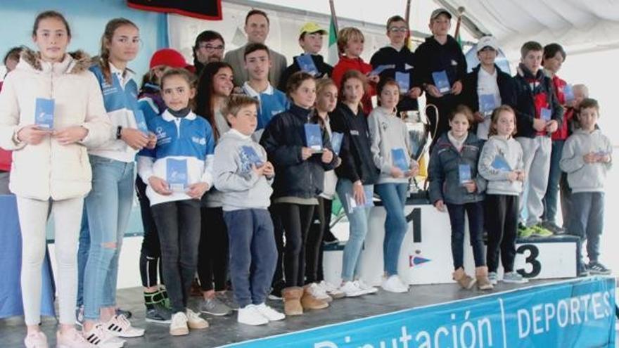 Arturo Arauz y Patricia Báñez ganan la V Regata Ciudad de El Puerto