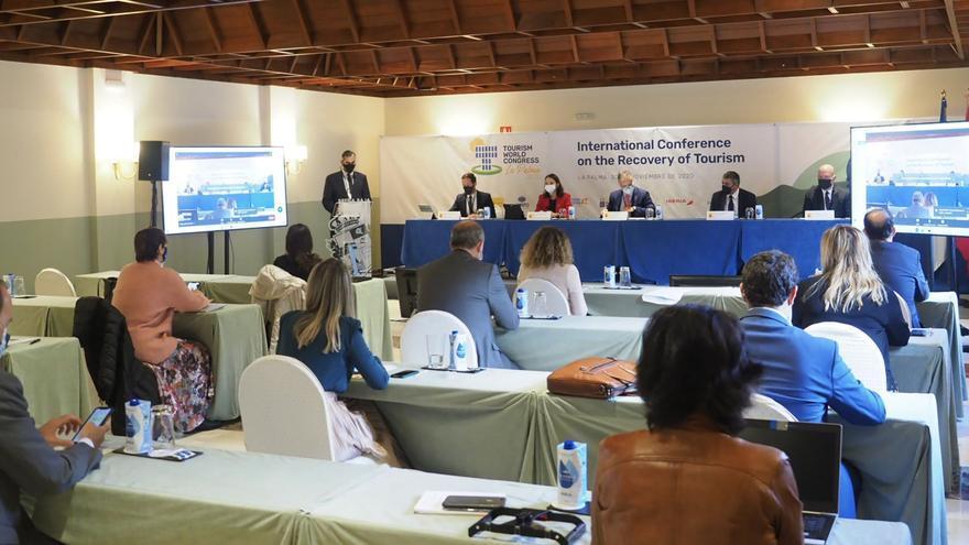 La cumbre mundial del turismo de La Palma clama por la coordinación internacional para relanzar el sector