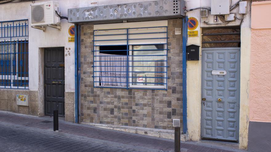 Local convertido en vivienda en un barrio del sur de Madrid