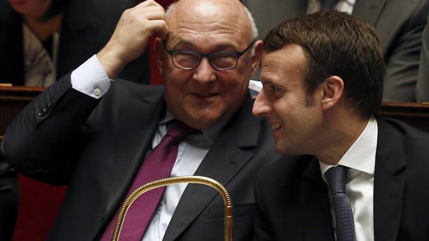 """Macron dice que ya se notan """"los primeros signos de recuperación"""" en Francia"""