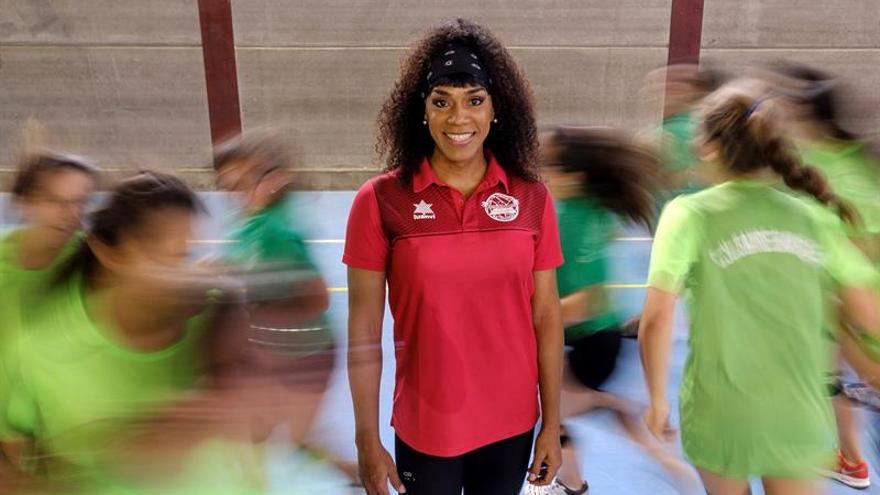 Daira Cova, nacida hace 36 años en la isla de Margarita (Venezuela) y afincada en Gran Canaria desde febrero de 2016. EFE/Ángel Medina G.