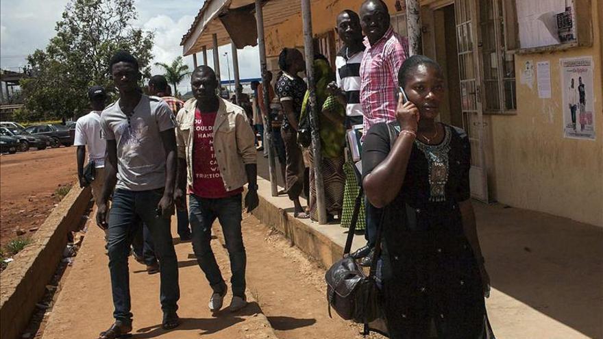 Testigos confirman la muerte de 48 personas tras una explosión en una escuela de Nigeria