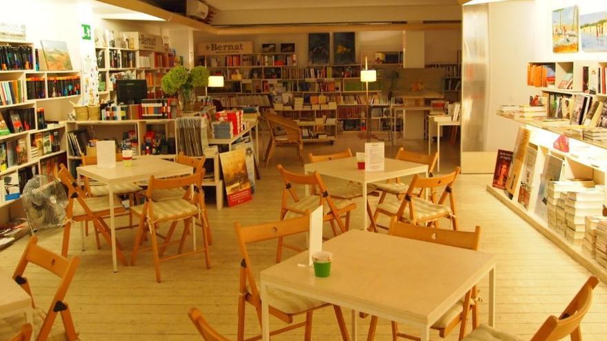 Librería + Bernat en Barcelona/ Foto: página web www.libreriamasbernat.com